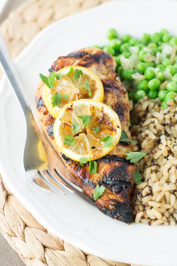 Grilled Lemon Tarragon Chicken // bakingyum.com