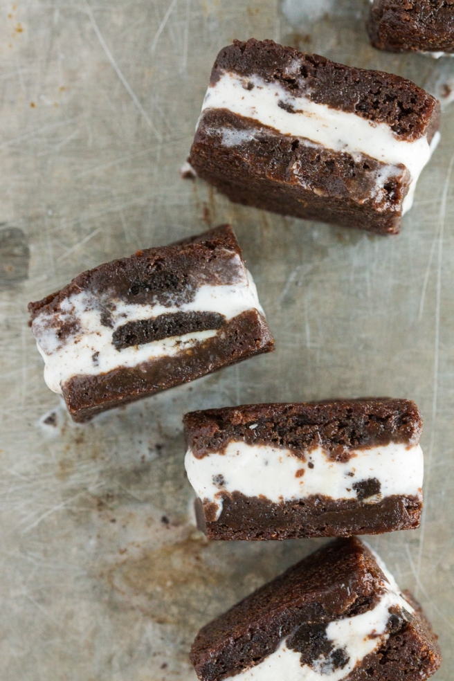 Brownie Ice Cream Sandwiches // bakingyum.com
