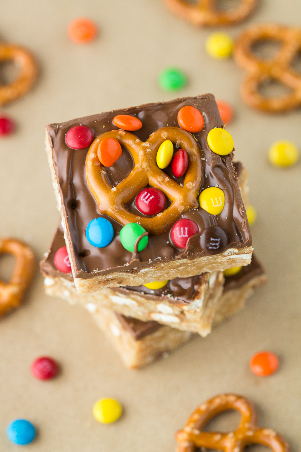 Small-Batch Pretzel M&M Scotcheroos. Recipe makes just 6 bars! // bakingyum.com