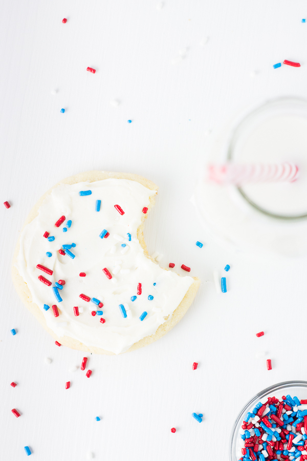 Small Batch Sugar Cookies. Recipe makes just 6 cookies! // bakingyum.com