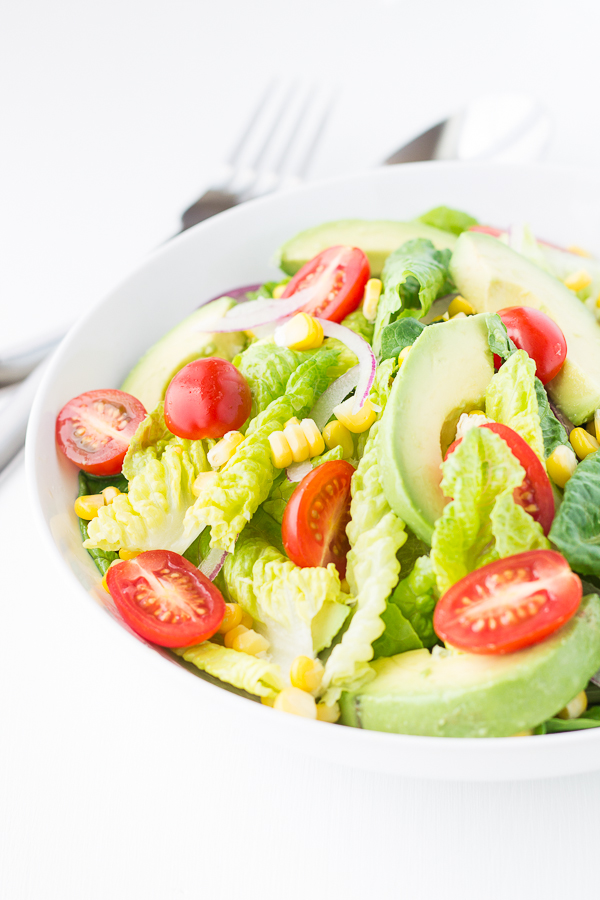 Summer Sweet Corn and Avocado Salad // bakingyum.com