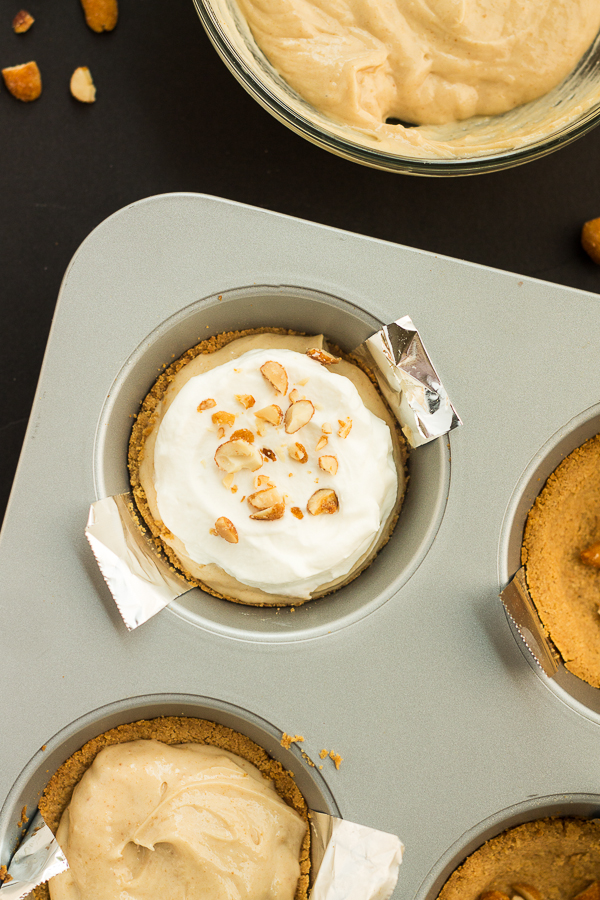 Honey Roasted Peanut Butter Mini Pies // bakingyum.com
