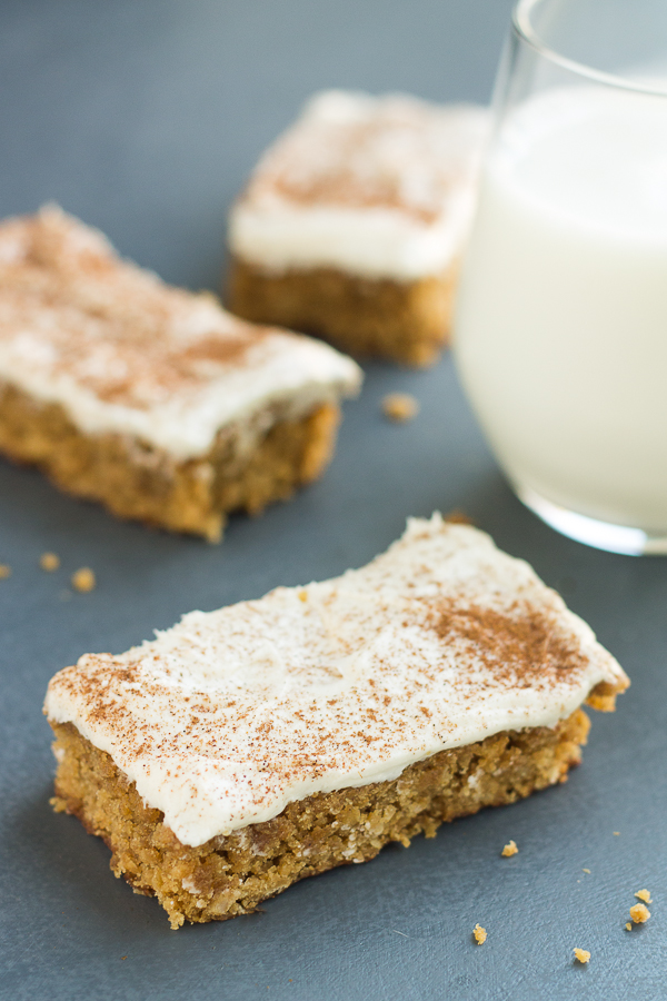 Oatmeal Creme Pie Bars for Two // bakingyum.com