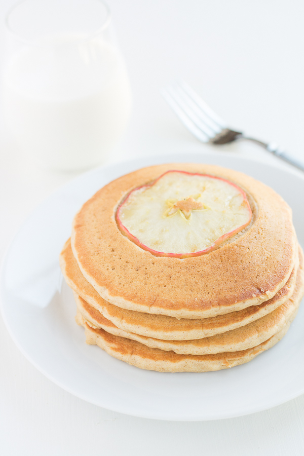 Whole Wheat Apple Crisp Pancakes // bakingyum.com