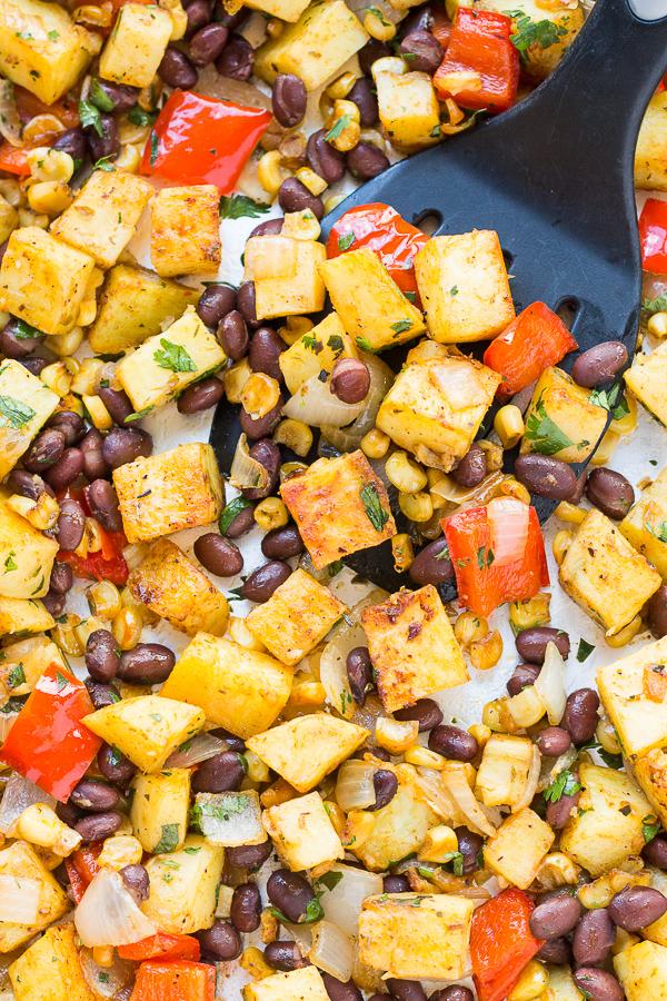Roasted Veggie Burrito Bowls // bakingyum.com